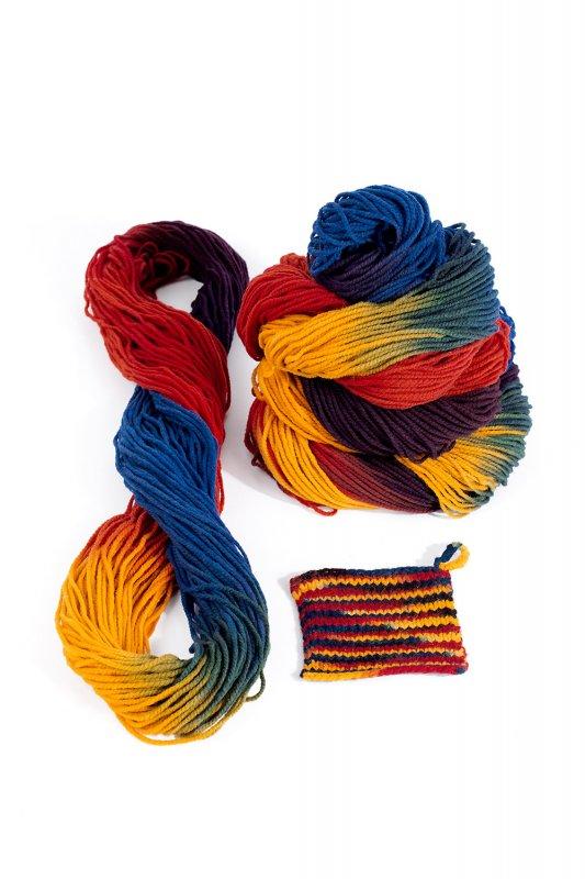 Finkhof Regenbogenwolle dick gefärbt
