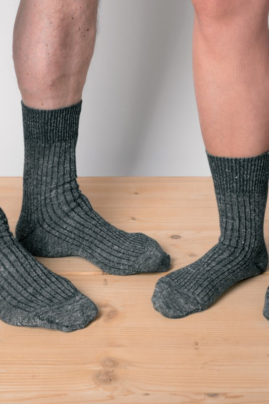 Wolle-Leinen-Socken graumeliert